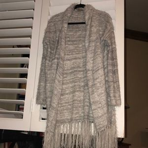 Sweaters - Knit cardigan with fringe on the bottom